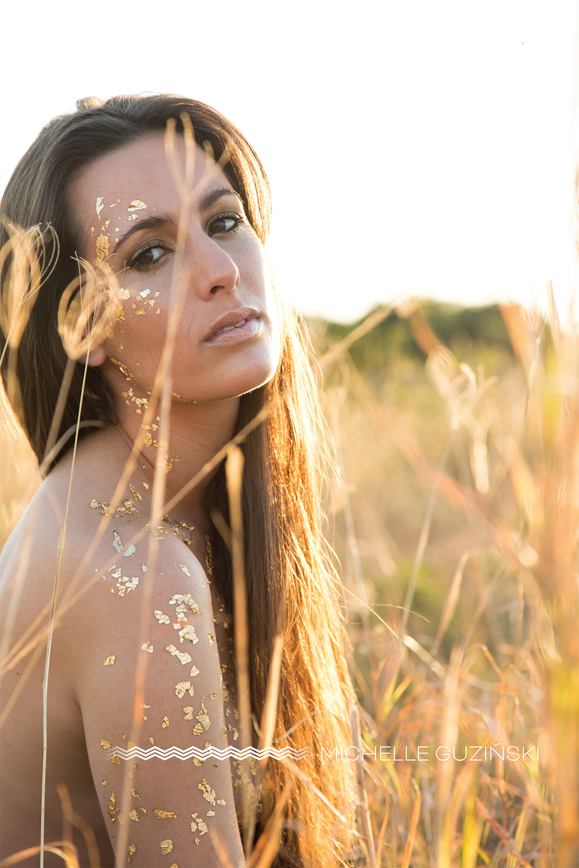 Michelle Guzinski Photography | Concept photography | South Africa | East London | Photography |#photography #MichelleGuzinksiPhotography #MichelleGuzinksi #EastLondon #SouthAfrica #conceptphotography #concept #goldleaf #goldenhour #sunlight #gold #intothesun